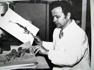 В.Мухин с гербарием. 1980г.IMG_0689